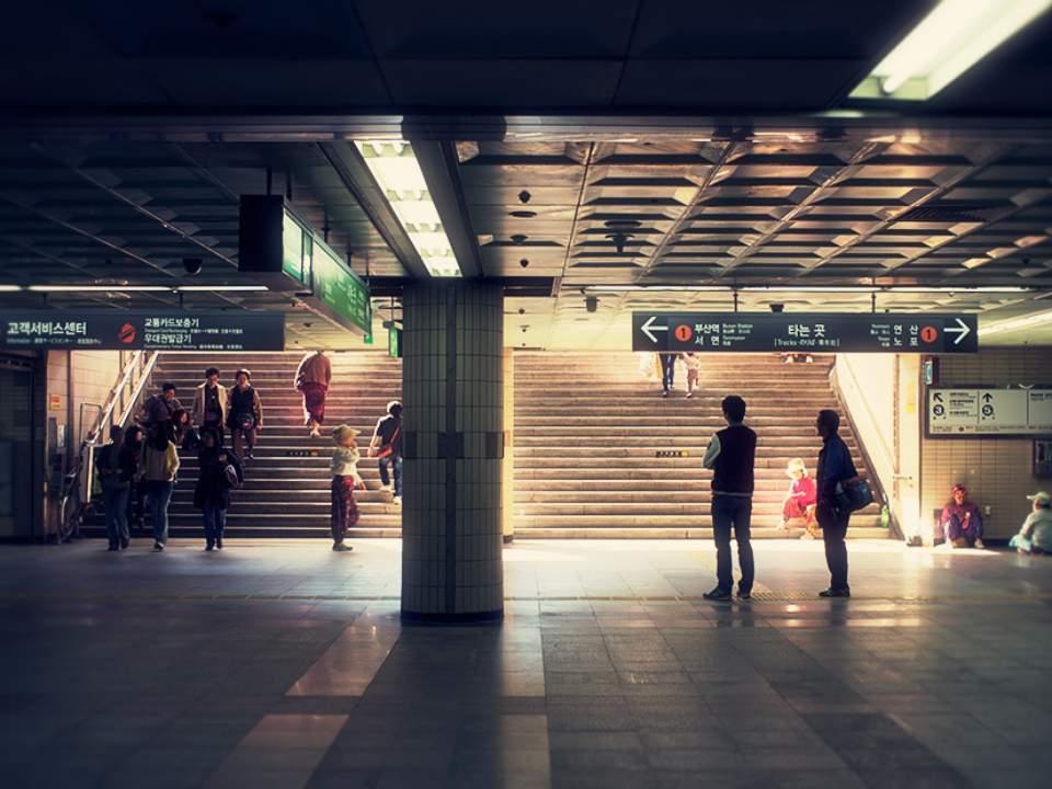 지하철의 어느 한 순간