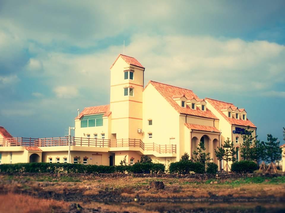 한가로운 건물