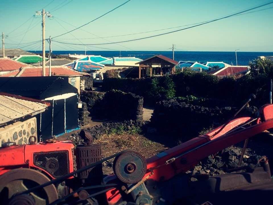 바닷가의 마을