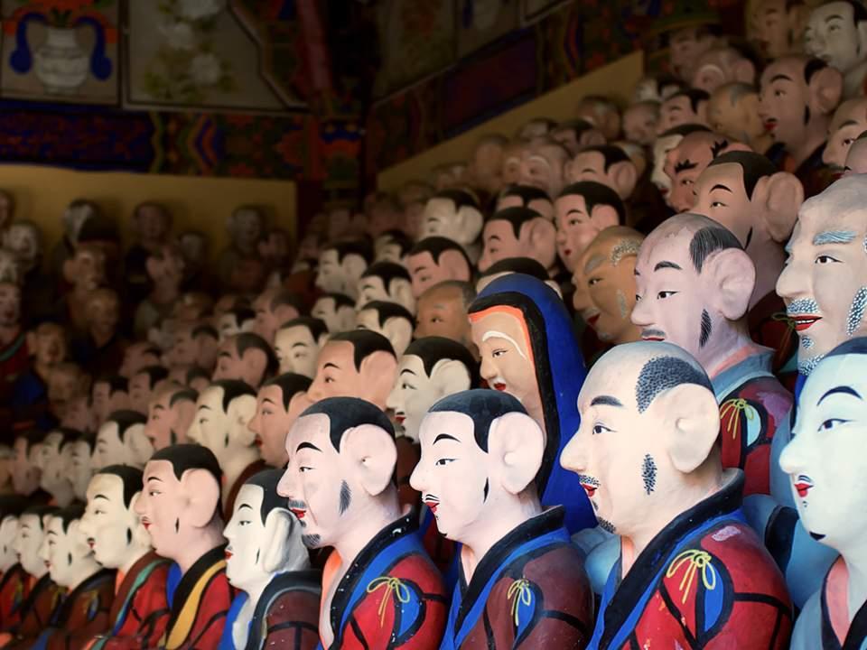 많은 인형들