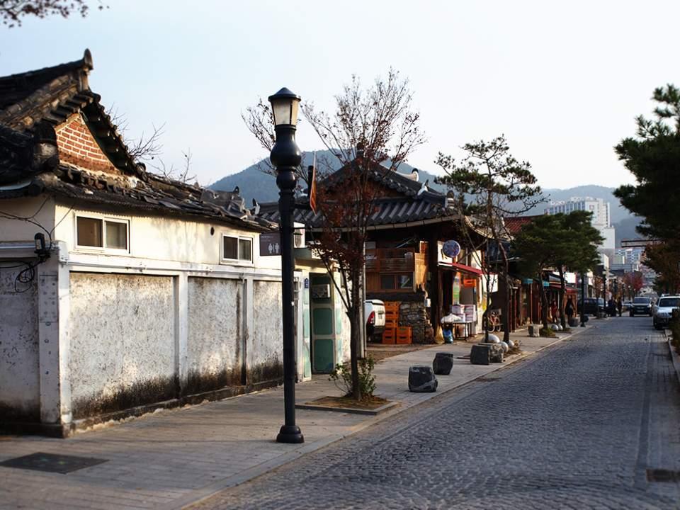 한옥마을의 거리