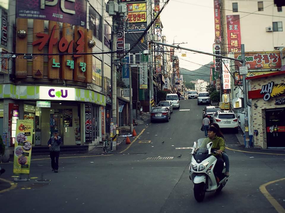 작은 시내의 거리
