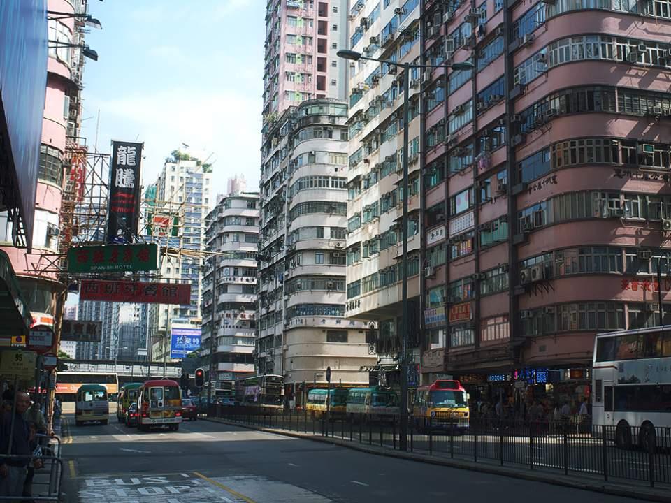 몽콕 근처의 도로가