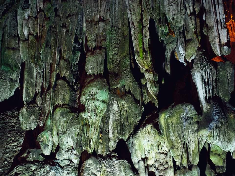 동굴의 일부분