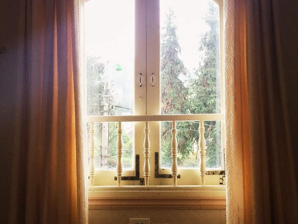 아침때의 창가