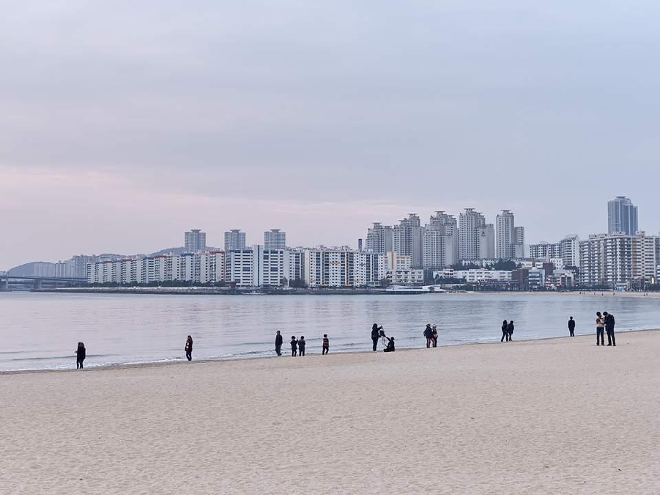 한가한 바닷가