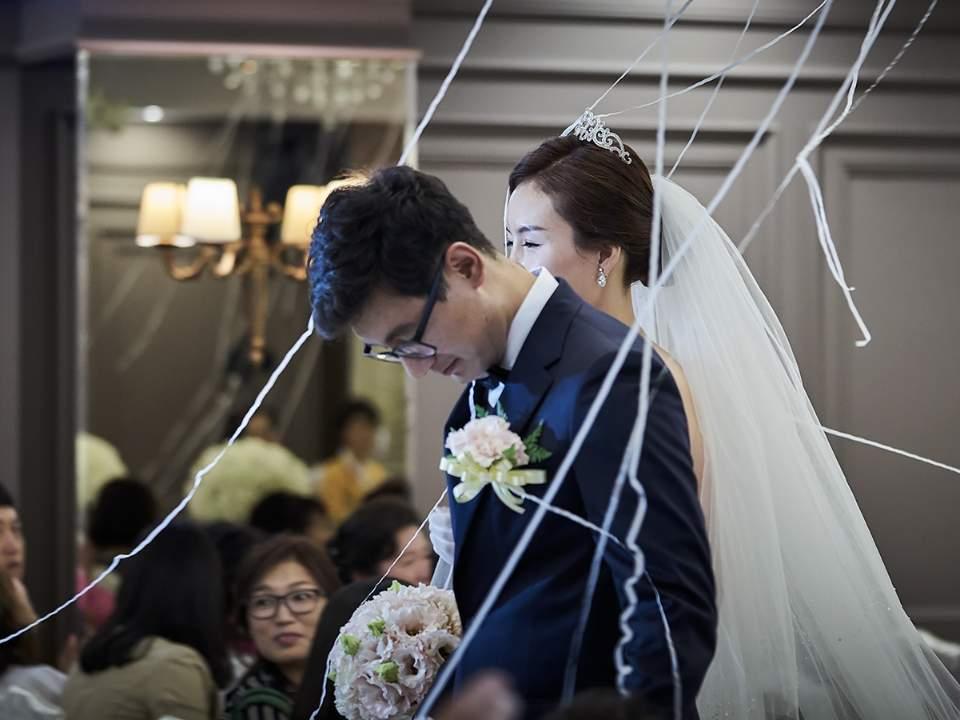 결혼식의 모습중 하나