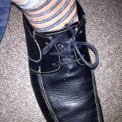 신발끈이 떨어졌다!