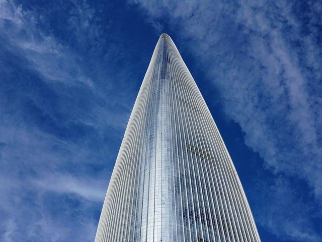 파란 하늘과 롯데월드타워